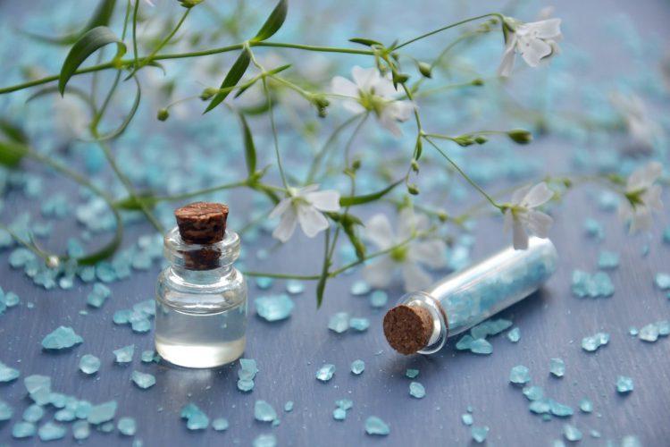 Czy rzeczywiście warto kupować perfumy w sieci?
